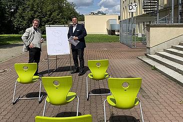 HTW-Präsident Prof. Dr. Carsten Busch und MdA Andreas Geisel auf dem Campus Treskowallee © HTW Berlin/Anja Schuster